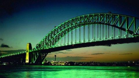 Город, мост, большой, зеленый, фон, лук, огни, вода, ночь, здание, горизонт, небо, облака, оранжевый