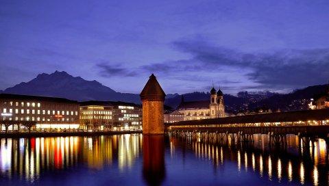 Швейцария, Люцерна, ночь, сумерки, синий, небо, здания, храмы, освещение, огни, горы, мосты, набережные, река, вода, поверхность, отражение