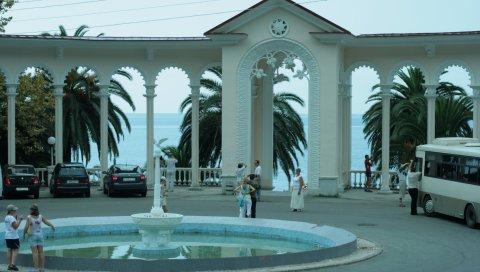 Абхазия, гагра, набережная, арка, достопримечательности