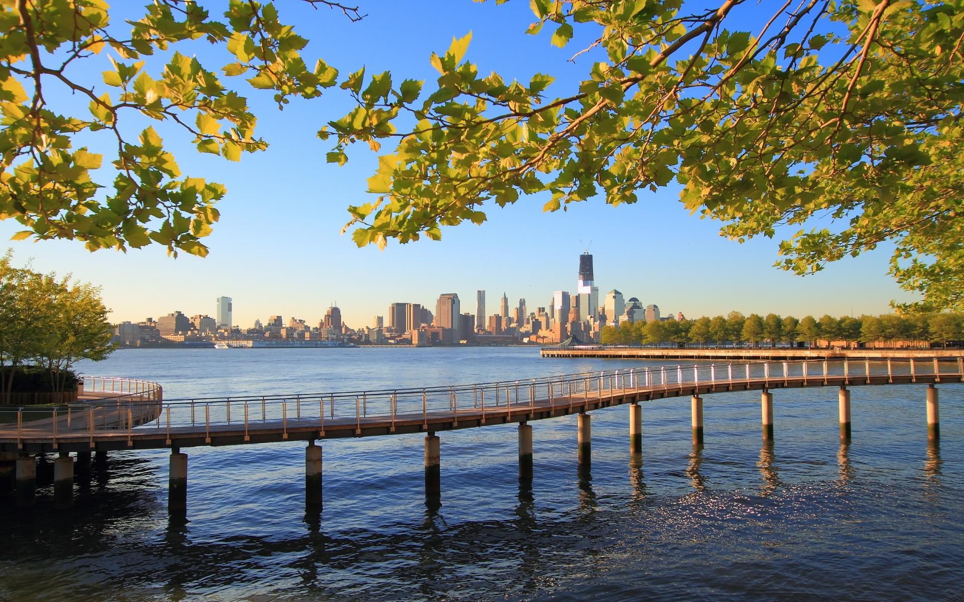 Картинки Нью-Йорк, город, вода, океан, природа, деревья, ветки, день, мост, река Хадсон, hoboken, новый трикотаж, Манхэттен, во-первых, центр мировой торговли, пристань фото и обои на рабочий стол