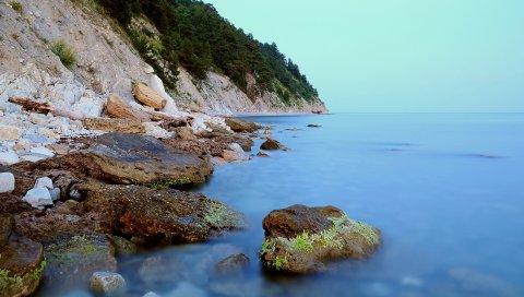Берег, камни, мох, скалы, гладкая поверхность, тишина