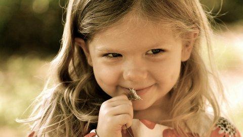 Ребенок, лицо, улыбка, цветок, скромность