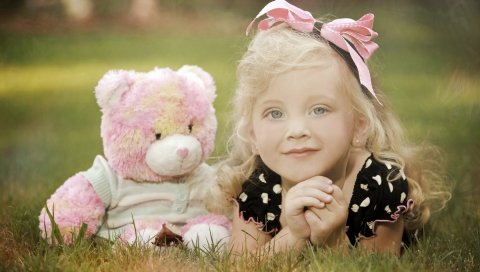 ребенок, игрушки, траву, ложь, любовь, улыбку