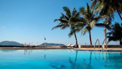 бассейн, пальмы, курорт, синяя вода, отдых, гостиница, загородный дом ,