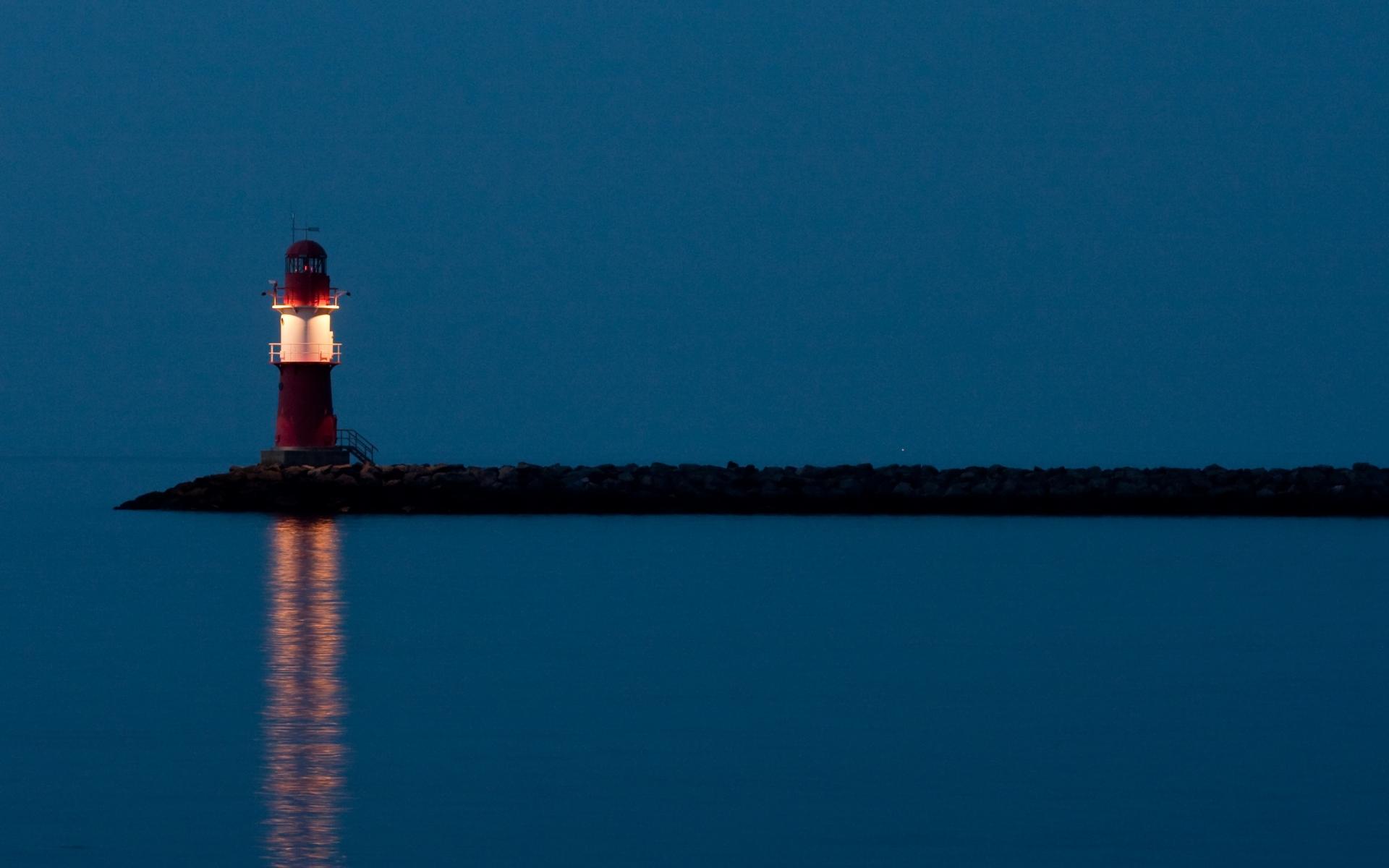 Картинки Маяк, ночь, свет, красный, одинокий фото и обои на рабочий стол