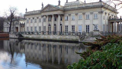 Здание, река, белый камень, архитектура