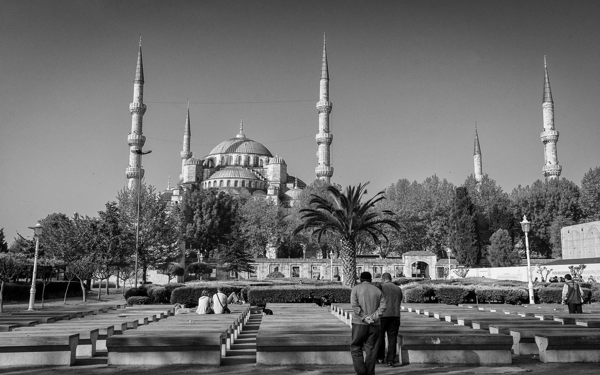 Картинки Турция, Стамбул, здание, черный белый, люди, архитектура фото и обои на рабочий стол