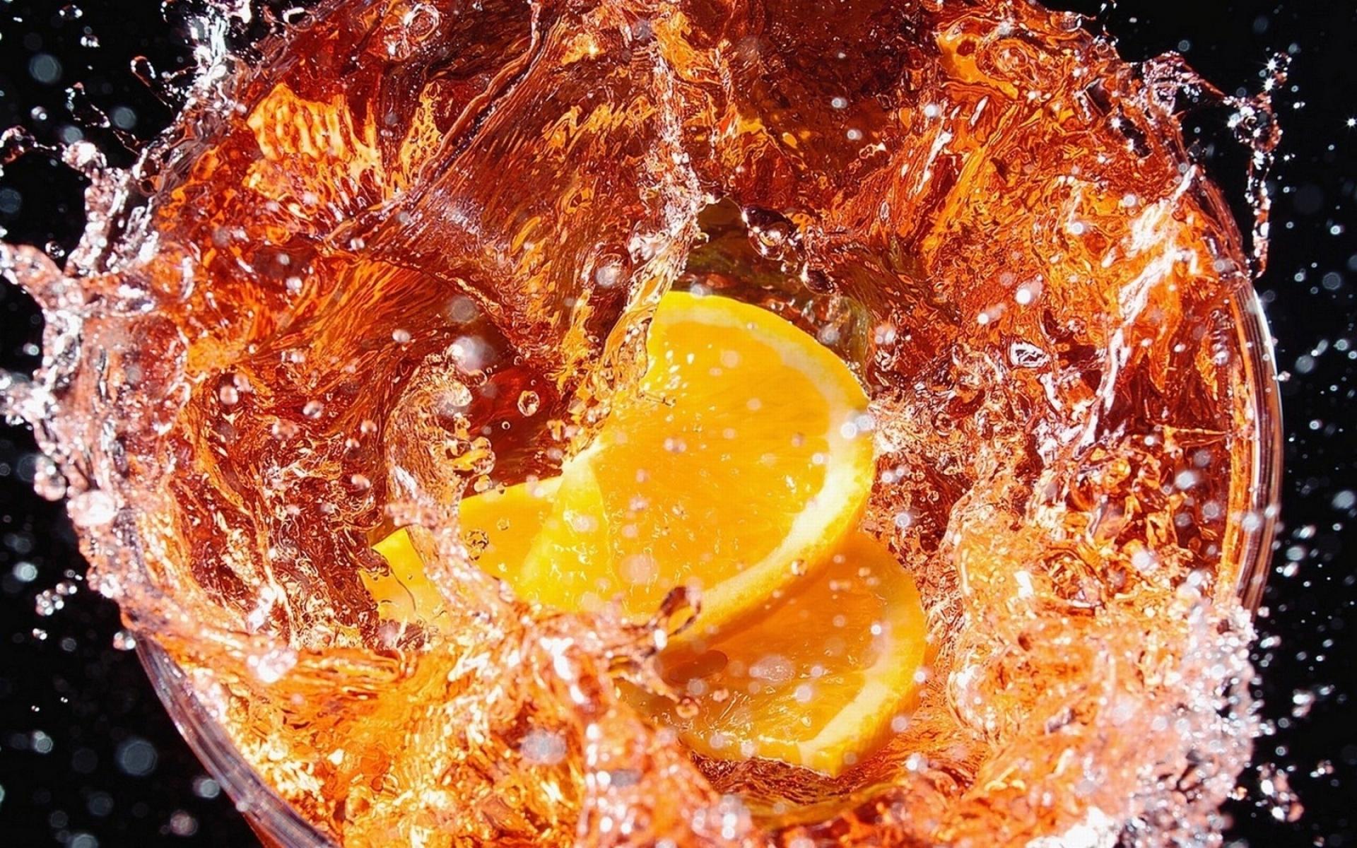 Дольки лимона в стакане  № 3698189 загрузить