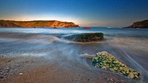 Волна, море, песок, камни, рыбаки