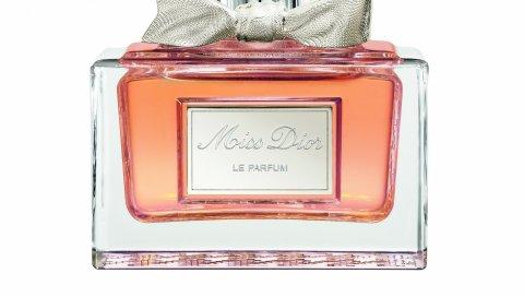 Христианские дирижирования, легендарная мисс dior, парфюм, аромат, нежность, легкость