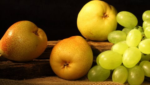 Груши, виноград, фрукты