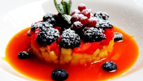 Ежевика, ананас, салат, ягоды, десерт, соус