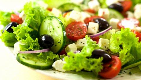 Салат, овощи, оливки, огурцы, сыр, греческие