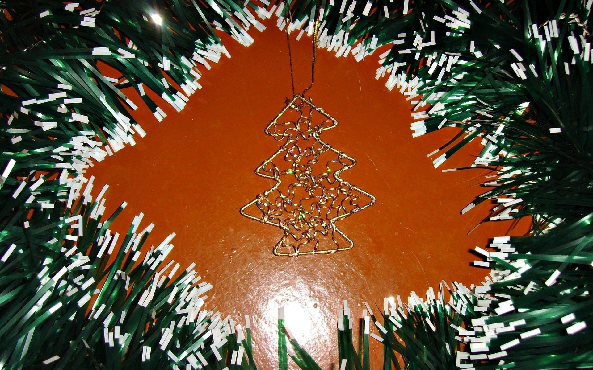 Картинки Дерево, украшения, мишура, крупным планом фото и обои на рабочий стол