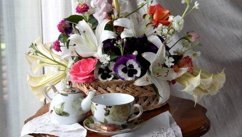 Розы, лилии, анютины глазки, цветок, корзина, стол, чай