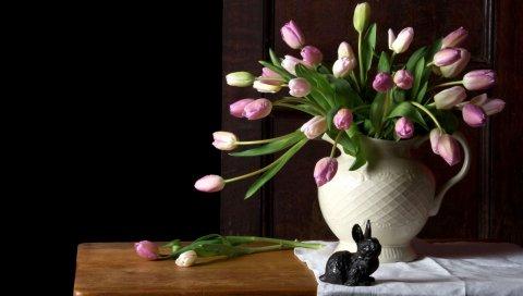 Тюльпаны, цветы, букет, ваза, стол, ткань, кролик