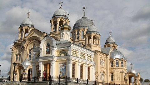 Храм, купол, белый камень, архитектура, история