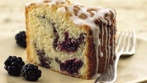 Десерт, кусок торта, ягоды, ежевика, вилка
