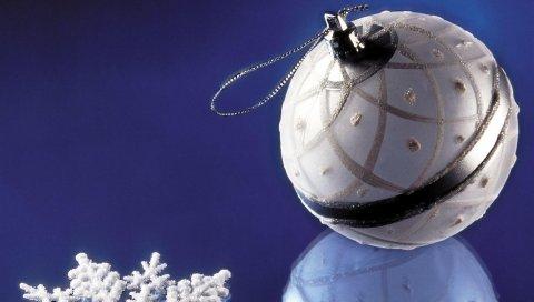 Рождественские украшения, снежинка, отражение