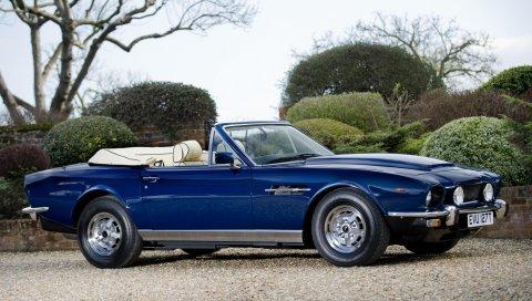 Aston martin, v8, volante, 1977, синий, вид сбоку, автомобили, кустарники