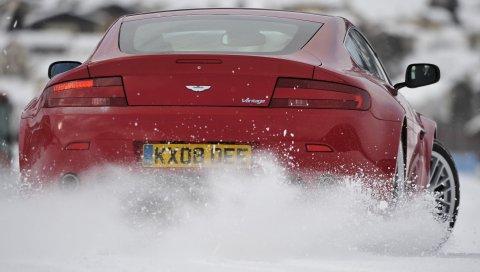Aston martin, v8, 2008, красный, вид сзади, стиль, дрифт, снег
