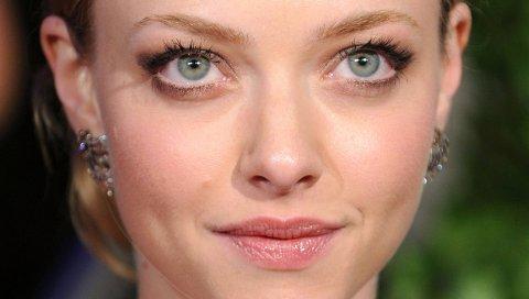 Аманда seyfried, светлые волосы, серые глаза, лицо, крупный план