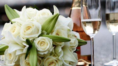 Розы, букеты, бокалы, шампанское