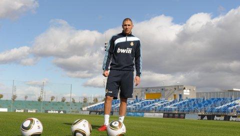 Karim benzema, настоящий, футболист, мяч, поле, стадион