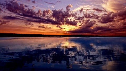 Озеро, горы, небо, вечер, отражение, рябь, поверхность воды, цвета