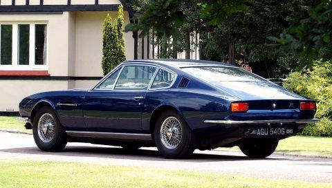 Aston martin, dbs, 1967, синий, вид сбоку, стиль, ретро, ??дом, деревья