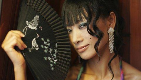 Ling bai, девушка, брюнетка, лицо, рука, глаза, улыбка