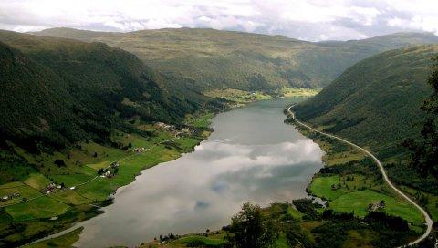 Горы, долины, дороги, озеро, дом, зеленый