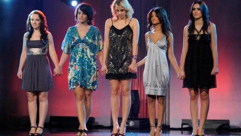 Королева, девушки, сцена, ноги, платья