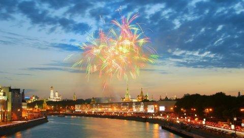 Река, фейерверк, кремль, москва