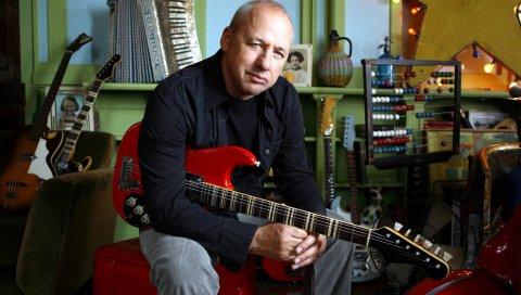 Mark knopfler, гитара, взгляд, инструменты, комната