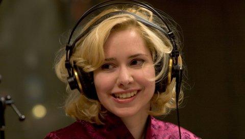 Nellie mckay, девушка, блондинка, наушники, улыбка