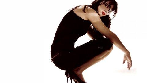 Juliette lewis, девушка, обувь, руки, губы