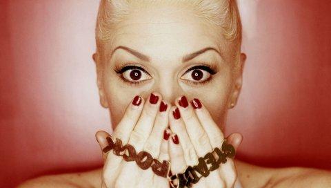 Gwen stefani, руки, глаза, ладони, взгляд