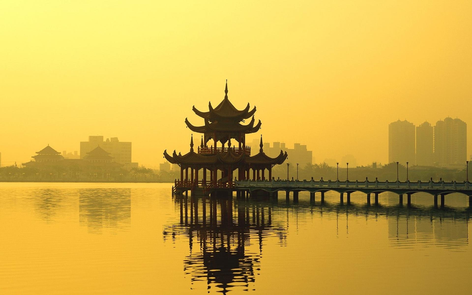 Картинки Лотос, озеро, kaohsiung, тайвань фото и обои на рабочий стол