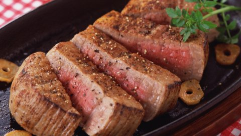 Мясо, кол, порезы, прокормивание, перец, специи