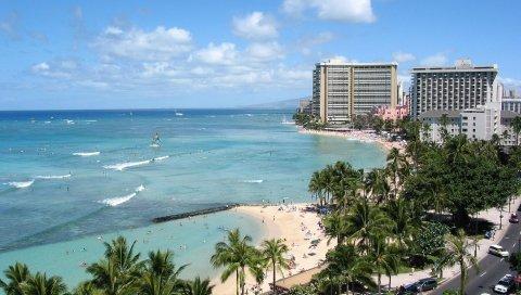 Пляж, город, песок, пальмы, люди, побережье, волны