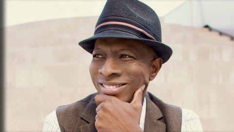 Keb mo, шляпа, улыбка, куртка, глаза