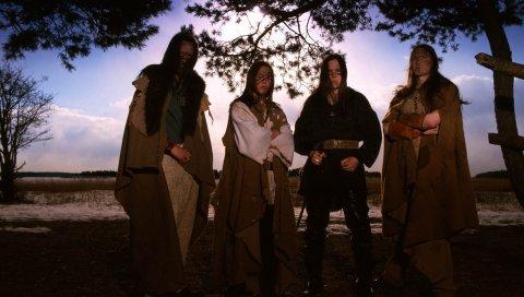 Ensiferum, небо, поле, одежда, группа