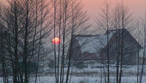Дом, зима, рассвет, туман
