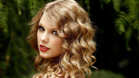 Taylor swift, дерево, зеленый, взгляд, волосы