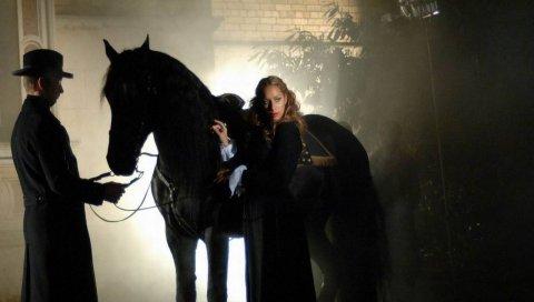 Leona lewis, девушка, лошадь, дым, жених