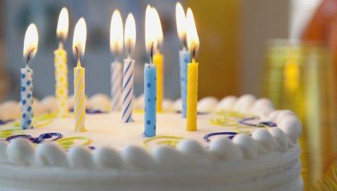 Пирог, свечи, день рождения