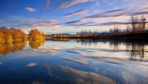 Отражение, облака, осень, вода, озеро, деревья, гладкая поверхность