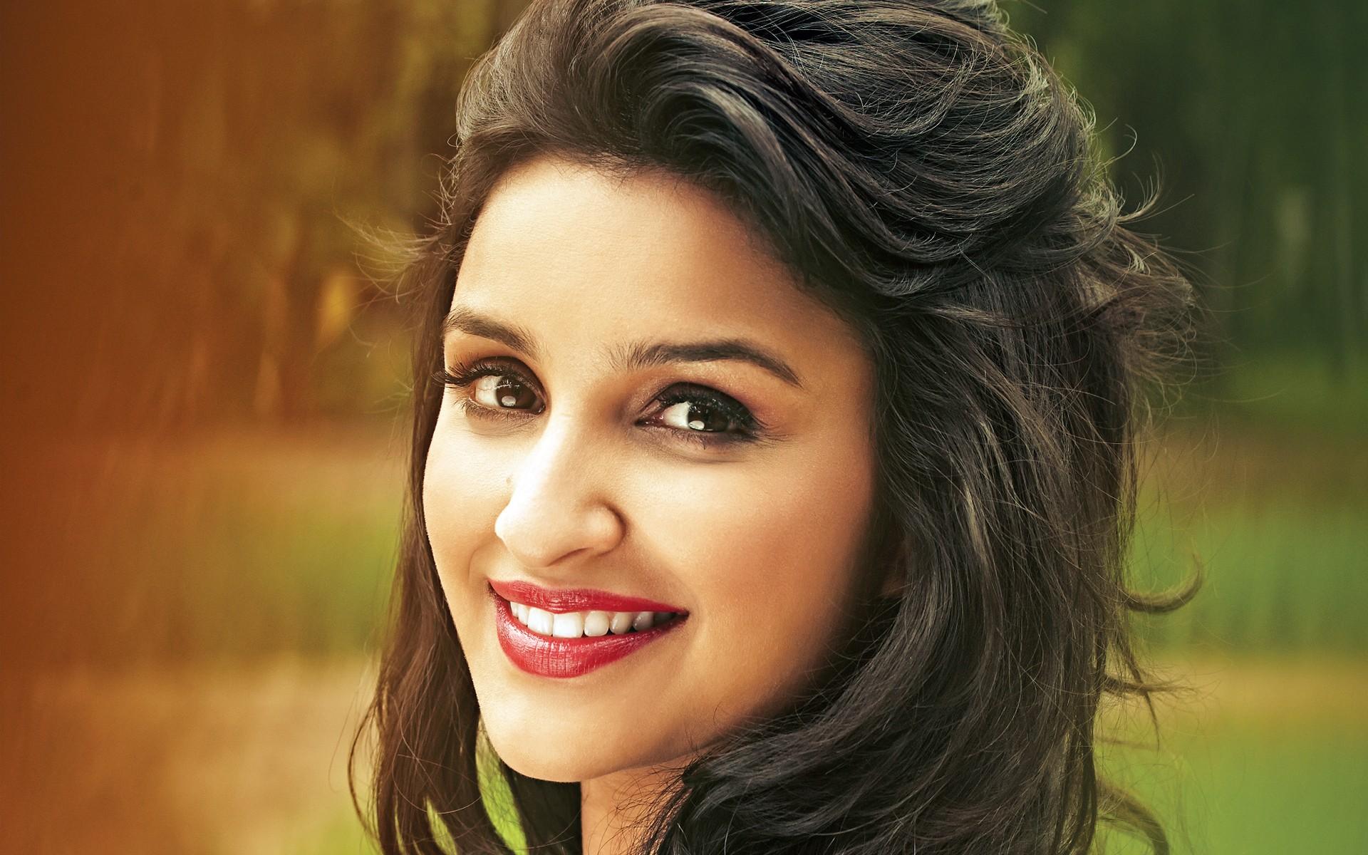 фото индийской актрисы чопры заметить, что